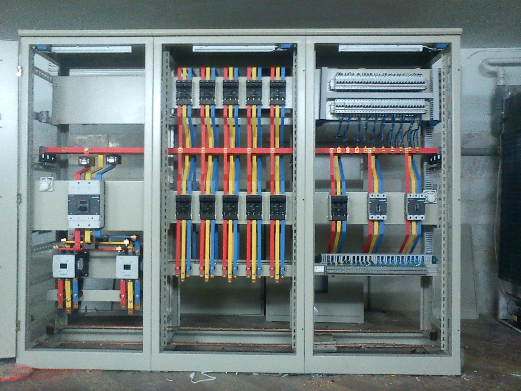 پروژه کارآموزی رشته مهندسی برق قطعات تابلو برق و کاربرد نرم افزار AtuoCAD